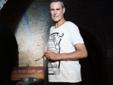 Uri Geller by Tom Kneller Oct 2019 4.jpg