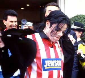 michael-wears-the-colours