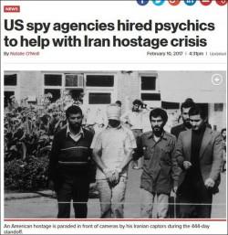 纽约时报截图 1979年11月4日,伊朗学生组织占领美国驻伊朗使馆,劫持52名美国人,这些人质被扣444天。图为人质被拉去游街。